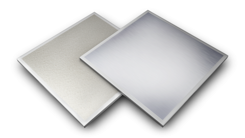 Forro removível duplamente revestido: película de PVC na face aparente e película de alumínio na face posterior e fita protetora nas bordas laterais.