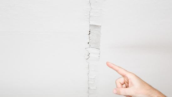 Trincas e rachaduras no drywall